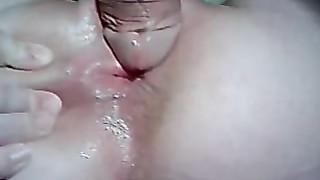 Le cul rose serré de ma superbe femme est prêt au dépucelage