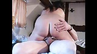 Sexe anal de ma femme sensuelle et son amant svelte